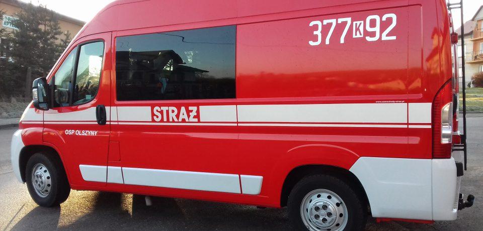 Nowy samochód dla OSP Olszyny oraz sprzęt ratowniczy i umundurowanie